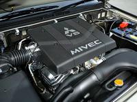 エンジンは、3.8と3リッターのV6。3.8ではMIVECを採用した。