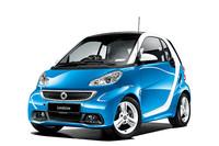 「スマート・フォーツー」にブルーの特別仕様車