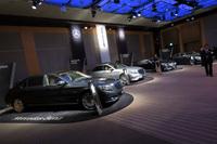 会場には「メルセデス・マイバッハS600」や「メルセデスAMG S65クーペ」など、全9台の「Sクラス」が展示されていた。