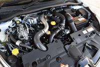 「ルーテシアR.S.トロフィー」の1.6リッター直4ターボエンジン。最高出力はノーマルの「ルーテシアR.S.」よりも20ps増しの220psを発生する。