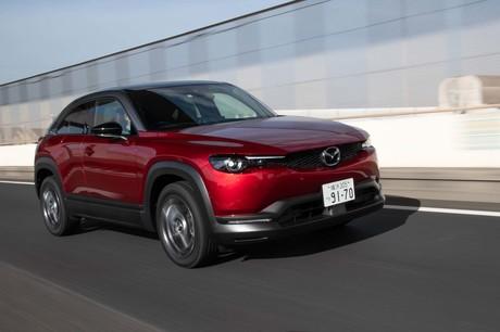 マツダから「MX-30」の電気自動車(EV)バージョン、その名も「EVモデル」が登場した。クリーンディーゼル...