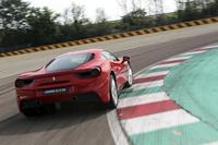 フィオラーノ・サーキット(正式名はピスタ・ディ・フィオラーノ)の全長は約2.98km。途中に立体交差があるテクニカルなコースで、12のコーナーからなる。