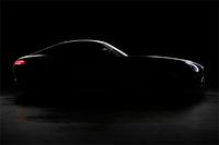 2014年秋に正式発表される予定の「メルセデスAMG GT」。