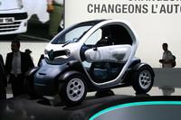 今秋のパリ・モーターショーで公開された「ルノー・トゥイジー」。