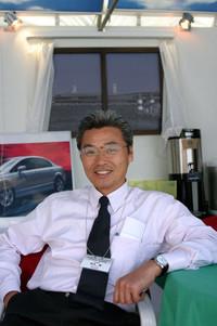 """""""ハシケン""""こと橋本健さん。F1車体技術開発のエグゼクティブ・テクニカル・アドバイザーを務める。(写真=小沢コージ)"""