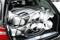 通常で655リッターの積載容量を確保するワゴンは、5名乗車時でも4つのゴルフバッグを積むことが可能だ。