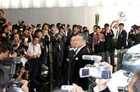 【東京モーターショー2005】レクサスの大入り会見、フラッグシップのコンセプト披露の画像