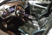「アルピーヌ・ビジョン」のインテリア。トランスミッションは、デュアルクラッチ式のATが採用されている。