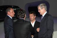 イベント会場には、ラリードライバーのセバスチャン・ローブの姿も。(右から2人目)