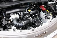 エンジンはトヨタ製の1.3リッター直4。98psと12.7kgmを発生する。