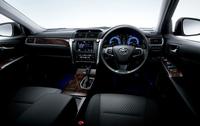 トヨタ、4ドアセダンのカムリを一部改良の画像