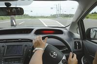 トヨタが次世代型歩行者対応PCSを開発の画像