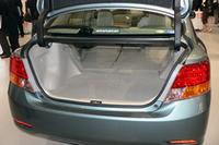 荷室容量は通常でも491リッター(VDA法)。簡単なリアシートアレンジで、最大荷室長1700mmまで拡大することができる。