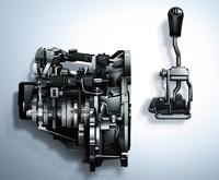 「アルト ワークス」専用設計の5段MT。適切な操作荷重とダイレクトで節度感のあるシフトフィールが追求されている。