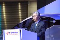 プレゼンテーションを行った、トヨタ車体の増井敬二取締役社長。「ユーザーひとりひとりの声に耳を傾け、人のためになるクルマを作りたい」と抱負を語った。