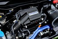 0.66リッター直3ターボエンジンのスペックは従来型と変わらず。JC08モード燃費は23.6km/リッター。