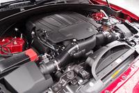 スーパーチャージャーで過給される「Fペース 35t Rスポーツ」の3リッターV6エンジン。最高出力340psを発生する。