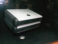 JLオーディオのB5サイズ・デジタルアンプ。4chとモノラルアンプの2タイプ。