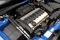 欧州では、小さな足クルマとして使われる106。エンジンラインナップは豊富で、ガソリンが1.1リッター(56ps)、1.4(75ps)と、S16に積まれる1.6(118ps)の3種類。ディーゼルは、1.5リッター(57ps)が用意される。