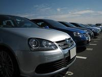 オーナーズクラブの駐車スペースには、この日のために(!?)手塩にかけてきた愛車が整然と並べられている。
