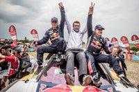 総合優勝を成し遂げたカルロス・サインツ/ルーカス・クルス組。