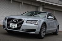 2013年1月16日に発表された「A8ハイブリッド」。優れた燃費性能はもちろん、他のA8モデルよりお手ごろ(?)な、948万円という価格も魅力だ。