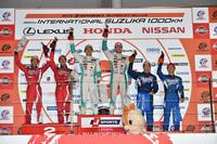 GT500クラスの表彰式。ポイントラインキングにおいても、現在この3組がトップを争っている。