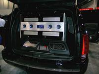 合計1万5000Wの出力を発生するT15kWを搭載したロックフォードのデモカー。これでもデッキは純正のまま。