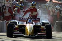 ブーデは、ポールポジション、ファステストラップ、そして優勝とすべてを勝ち取り、最終戦までもつれこんだタイトル争いに決着をつけた。シーズン14戦の半分を勝利したことになる。