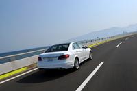 「E400ハイブリッド アバンギャルド」は、最高35km/hまでモーターだけで走行することができる。