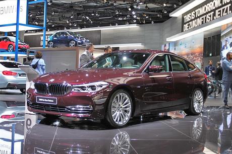 独BMWは2017年9月12日に開幕したフランクフルトショーで新型「M5」と「5シリーズ グランツーリスモ」の後継...