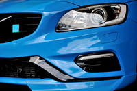 「S60/V60ポールスター」のベースは「S60/V60 T6 AWD R-DESIGN」。前後スポイラーの形状などが変更され、空力性能が最適化されている(テスト車はS60ポールスター)。