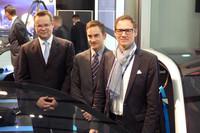 BMW本社から、開発陣が先行発表に合わせて来日した。左からプロジェクトマネージャーのマルティン・アールト氏、ブランドマネージャーのウヴェ・ドレーヤー氏、インテリアデザイン責任者のダニエル・スターク氏。