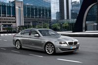 BMW、75%減税の「523i」発売の画像