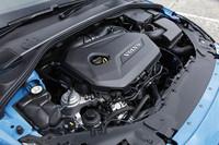 今回の「ポールスター・パフォーマンス・パッケージ」を導入できるのは「V40」「S60」「V60」「V70」の1.6リッター直4ターボ搭載車。今のところ2013年モデルのみがサービスの対象となっているが、2013年4月からは2011年モデル、2012年モデルにも対応となる。