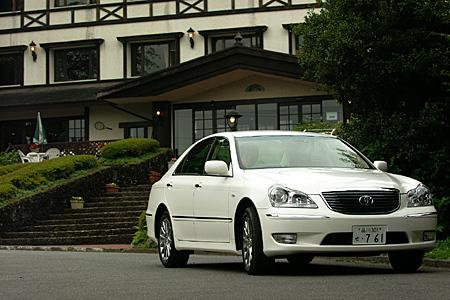 トヨタ・クラウンマジェスタAタイプ/Cタイプ(6AT/6AT)【短評(前編)】