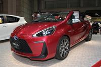 トヨタ自動車東日本が出展していた、「アクア」をオープン化した「アクア エア」。