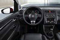 新型「VWトゥーラン」登場の画像