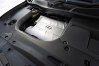 RX350には、ほかトヨタ車でも使われる3.5リッターV6エンジン「2GR-FE」が搭載される。