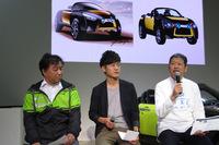 トークセッションで「コペン アドベンチャー」実車化にまつわるエピソードを語る藤下氏。写真左はD-SPORTの松尾光洋氏。