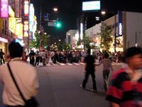 そして夜、十勝のメインストリートは大にぎわい。