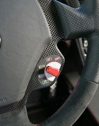 マネッティーノはアイスモードに代わり新たにトラクション・コントロールだけをカットオフ(ESPは作動)するCTオフモードが採用された。