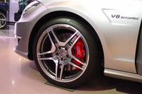 特別限定車の「CLS63 AMG シューティングブレーク Edition1」には、専用デザインの19インチ鍛造アルミホイールが与えられる。