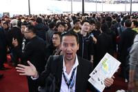 上海ショーは今回もごらんの人混み。みなさん、ボクの姿、ちゃんと見えてますか?