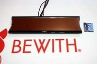 コンパクトフラッシュに記録した音楽ファイルの再生ができるビーウィズのミラーメディア。MP3&WAV形式に対応。