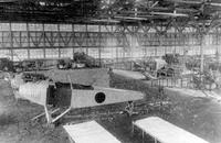 スバルの源流は1917年に誕生した飛行機研究所にさかのぼる。1919年に創業者の名をとった中島飛行機に改称した。