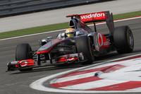 マクラーレンはレッドブル、フェラーリに歯が立たず。チーム代表のマーティン・ウィットマーシュは、予定していたマシンアップデートがすべてそろわなかったことが敗因と語った。ルイス・ハミルトン(写真)は予選4位、決勝4位。ジェンソン・バトンは大勢より1ストップ少ない3ストップに賭けたが作戦失敗。予選6位、決勝でも6位。(Photo=McLaren)