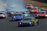 SC430、SUPER GT開幕戦でポール・トゥ・ウィン