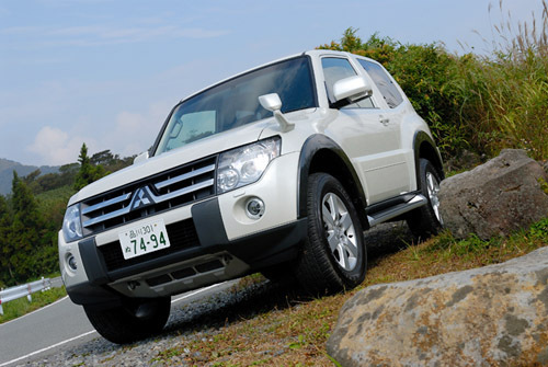 三菱パジェロショートVR-II(4WD/5AT)/ロングスーパーエクシード(4WD/5AT)【試乗記】