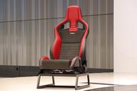 日産とRECARO社が共同開発した、「RECARO製スポーツシート」。